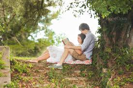 couples reading together